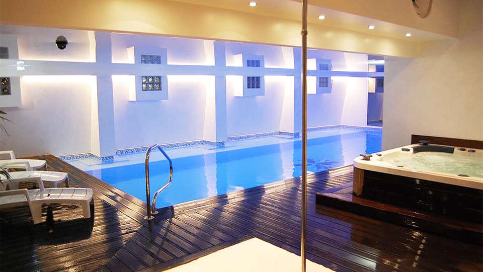 Week end montagne le mont dore avec acc s au spa pour 2 for Hotel mont dore avec piscine interieure