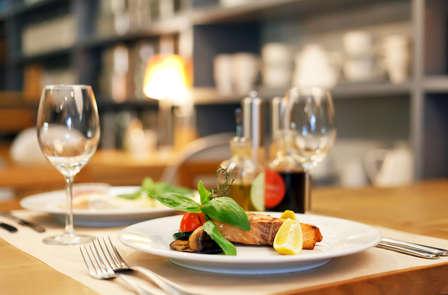 Imperdibile soggiorno con cena vicino a Napoli