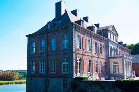 Weekend in een comfortkamer met douche in een kasteel vlakbij Hoei