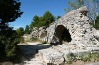 Aqueduc et moulins de Barbegal -
