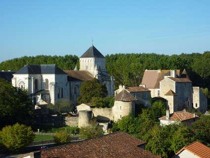 Abbaye Saint-Junien de Nouaillé-Maupertuis