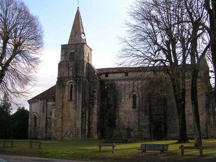 Église Saint-Vivien de Cherves-Richemont