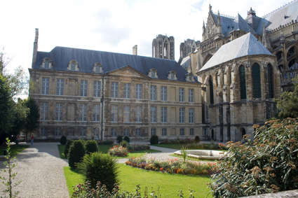 Palais du Tau (Reims)