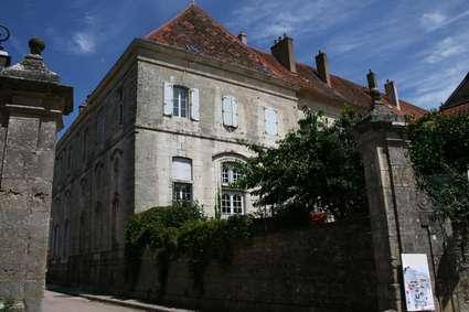 Abbaye Saint-Pierre de Flavigny-sur-Ozerain