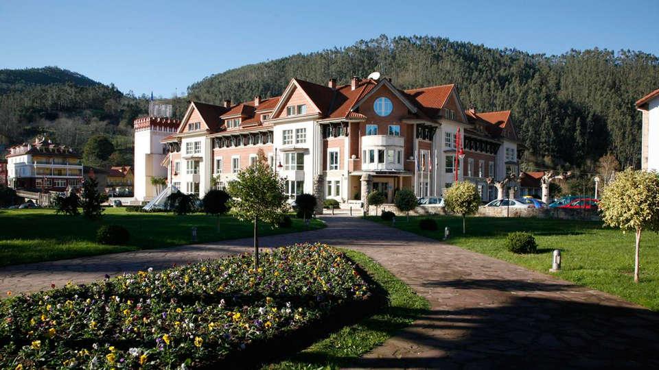 Gran Hotel Balneario de Puente Viesgo - EDIT_front2.jpg