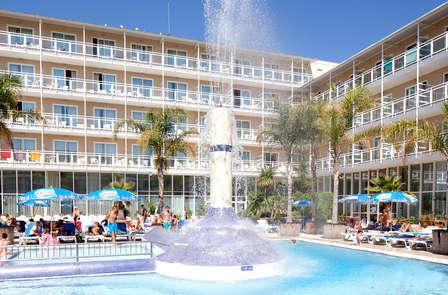 Rechargez vos batterie dans un hôtel avec pension complète à Platja d'Aro (à partir de 3 nuits)
