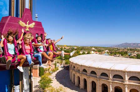Especial familias: Resort en Villajoyosa y entradas a Terra Mítica en Media Pensión