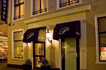 Extraordinaire nuit avec petit-déjeuner classique dans le centre de La Haye
