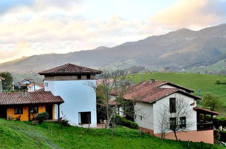 Escapada Rural con cena típica regional y cata de sidra con quesos asturianos (desde 2 noches)