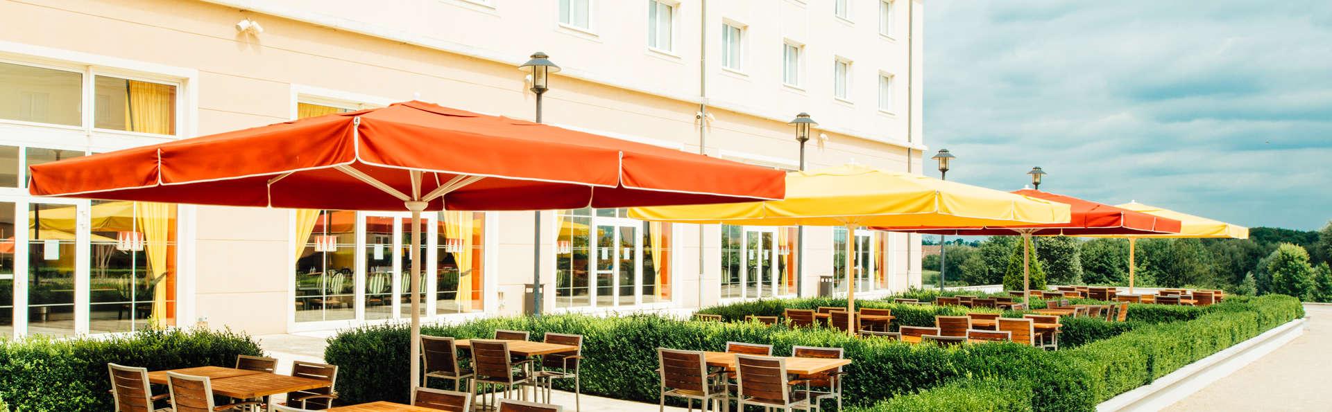 Vienna house magic circus hotel paris h tel de charme - Hotel seine et marne avec jacuzzi dans la chambre ...