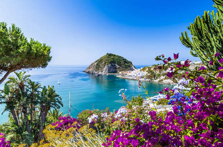 Pensione completa e benessere nell'affascinante Ischia (da 7 notti)
