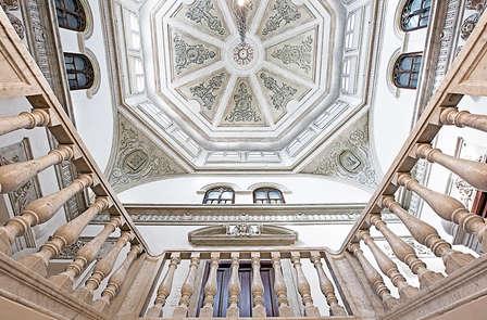 Escapada 5*. Puro lujo y belleza en el corazón de Granada con Spa
