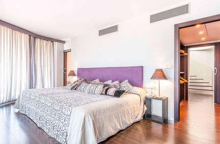 Bienestar de lujo en suite temática y jacuzzi privado en Peñíscola