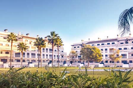 Desconexión cerca del mar en un lujoso complejo de apartamentos en Òliva