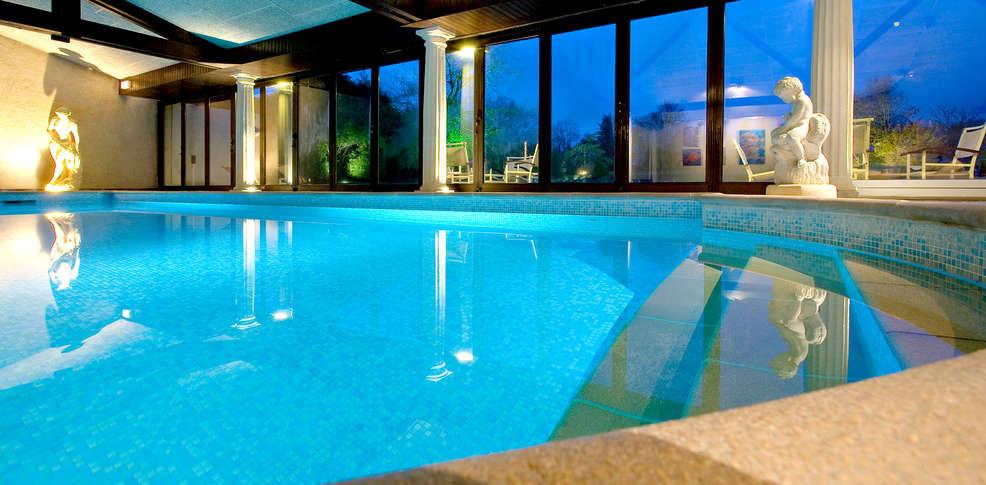 Week end de charme saintes avec acc s la piscine for Week end avec piscine interieure