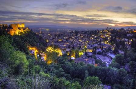 Escapada especial Mil y una noches de Verano en Granada