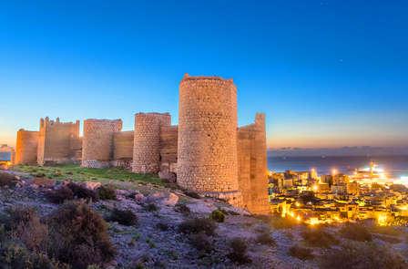 Escapada Romántica en Almería (con Parking, Regalos y Desayuno en la Habitación)