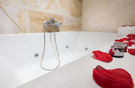 Lloret de Mar: relax en habitación premium con hidromasaje (desde 2 noches)