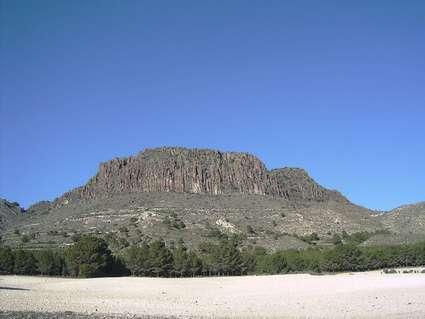 Pitón volcánico de Cancarix
