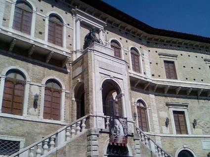 Palazzo dei Priori (Fermo)
