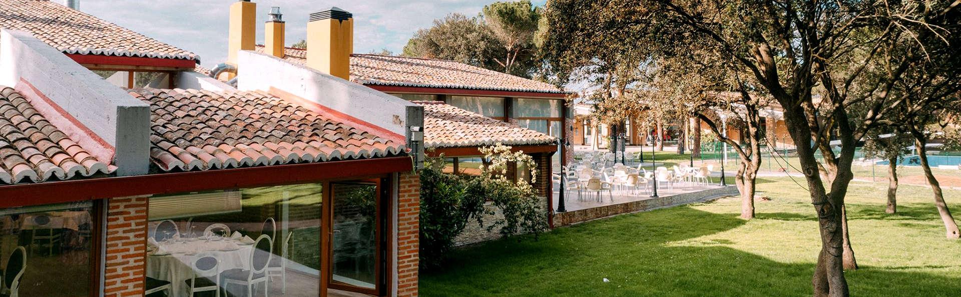Hotel Resort El Montico - Edit_Front2.jpg