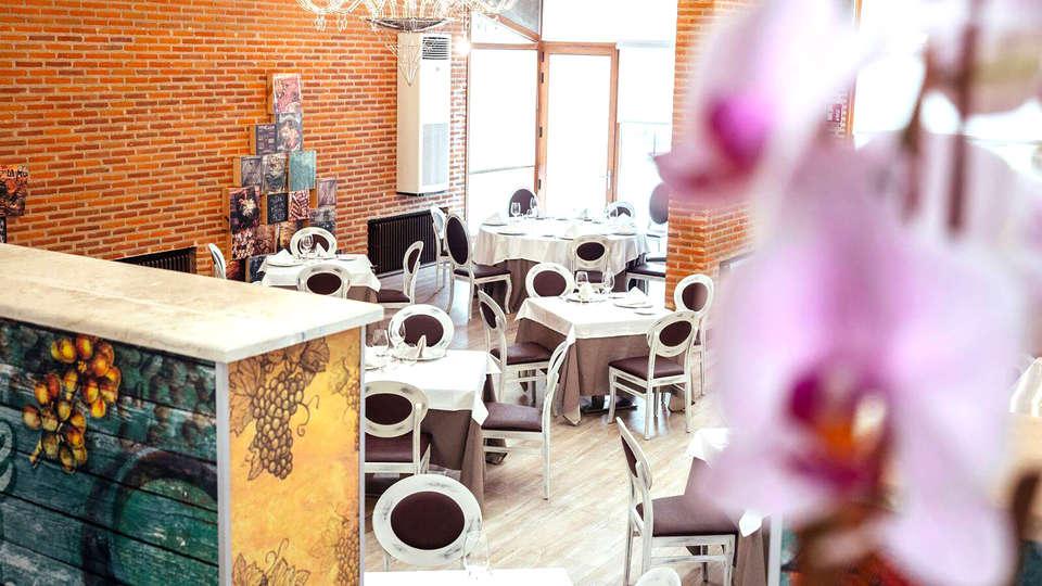 Hotel Resort El Montico - Edit_Restaurant2.jpg
