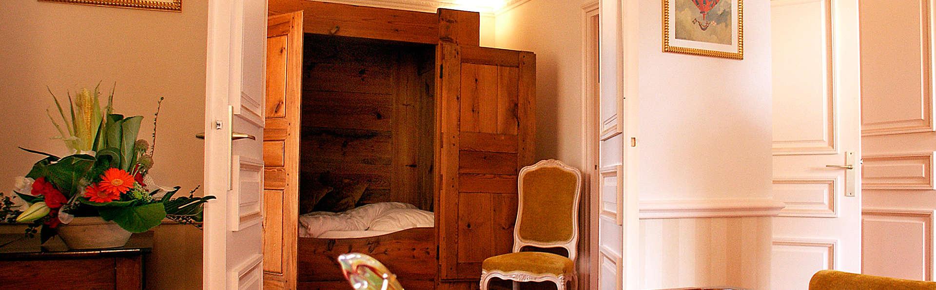 Château des Comtes de Challes - EDIT_room6.jpg