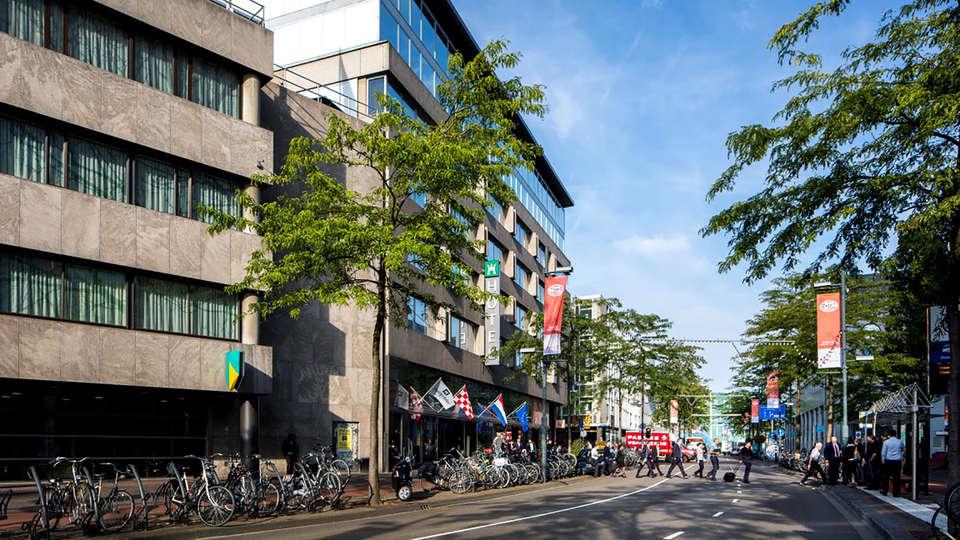 Crown Hotel Eindhoven - Edit_front.jpg