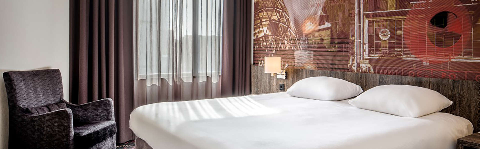 Crown Hotel Eindhoven - Edit_Room4.jpg