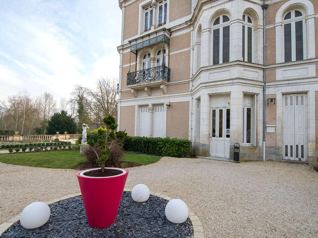 Séjour France - Week-end avec dîner à proximité du parc du Futuroscope  - 4*