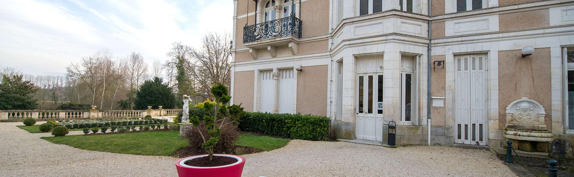Château du Clos de la Ribaudière  - EDIT_front.jpg