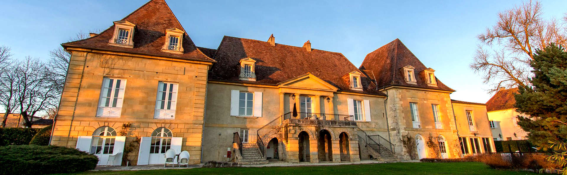 Château Les Merles - Edit_Front4.jpg