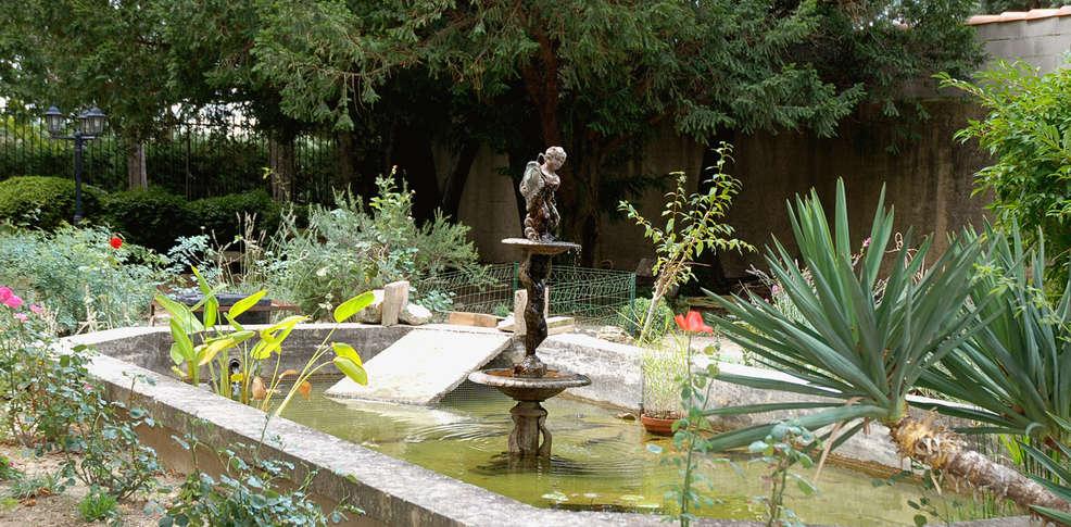 Ch teau du martinet viol s france for Jardin tecina booking