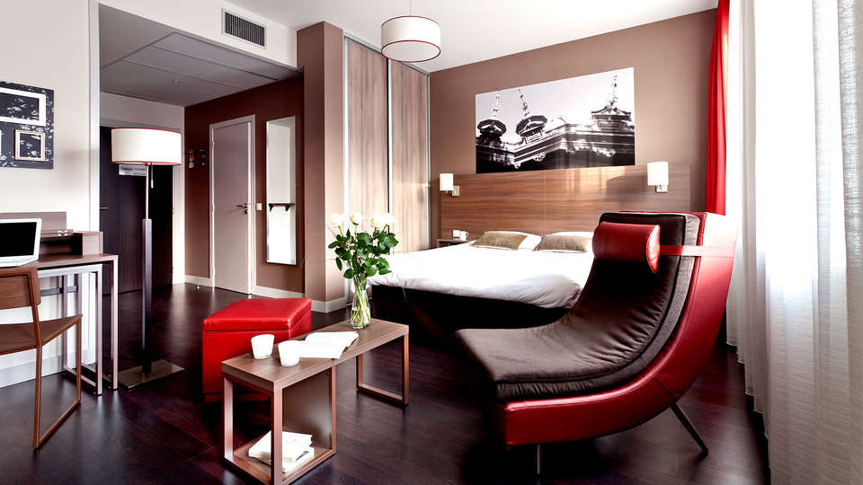 City Lofthotel Saint-Etienne - Edit_Room.jpg