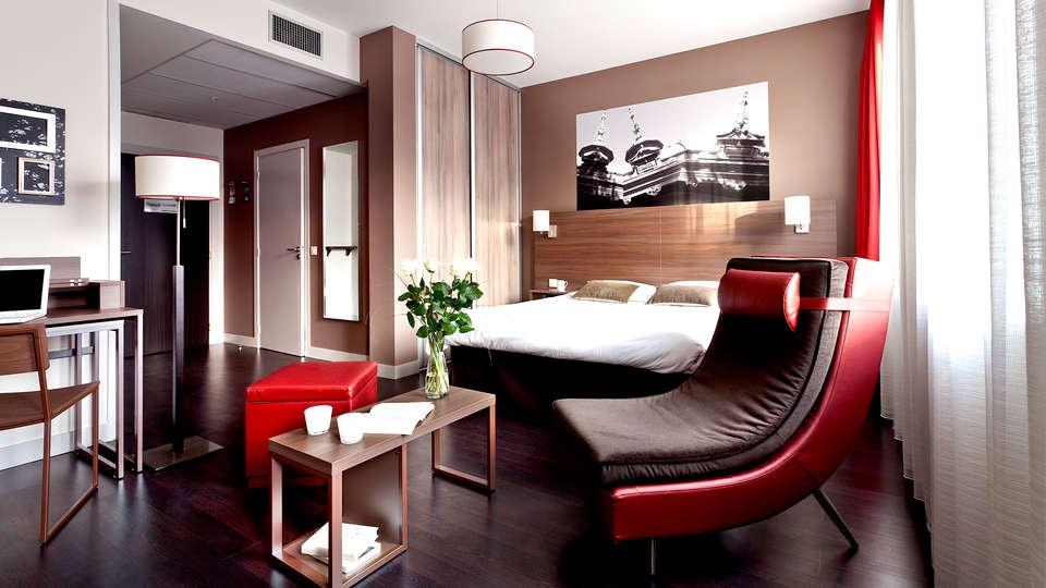 City Lofthotel Saint-Etienne - Edit_Room.jpg