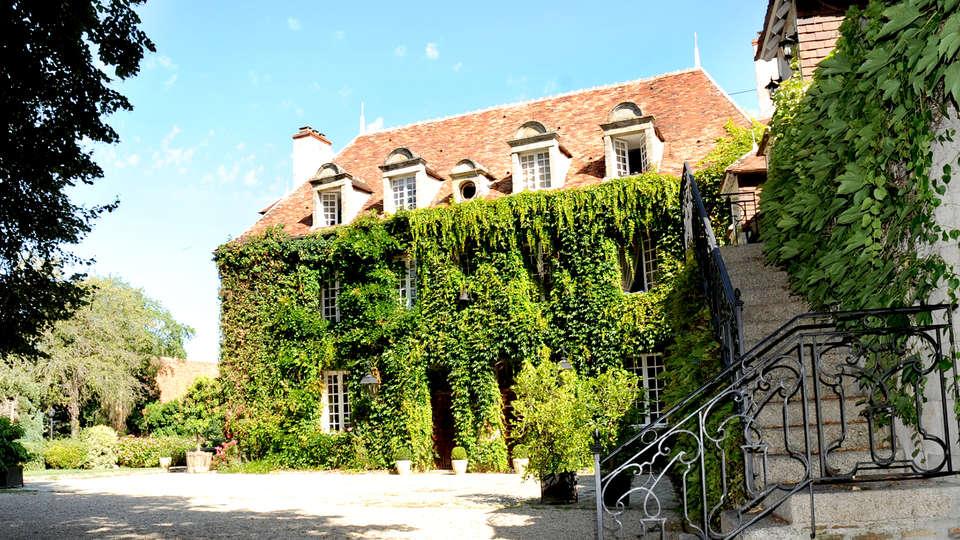 Château Les Dryades - Edit_front.jpg