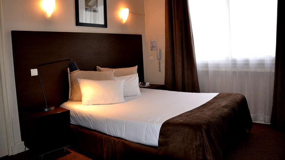 Comfort Hotel Astoria  - Edit_room3.jpg