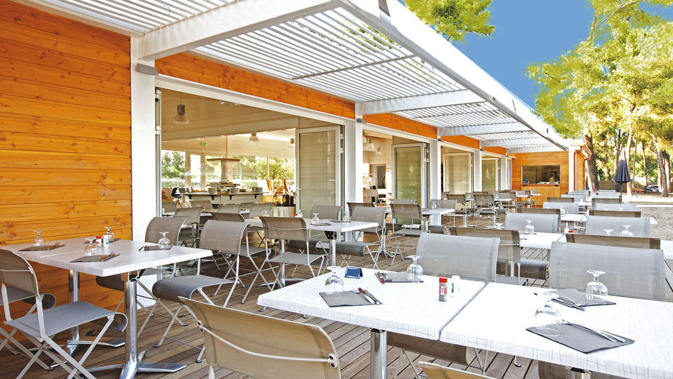 Club Vacances Bleues Plein Sud - EDIT_restauranterrace.jpg