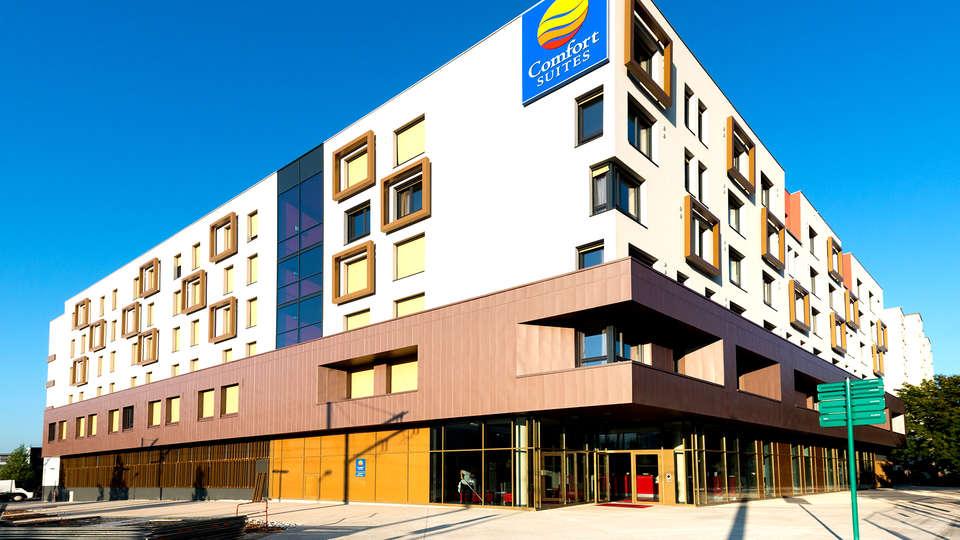 Comfort Suites Universités Grenoble Est - Edit_Front3.jpg