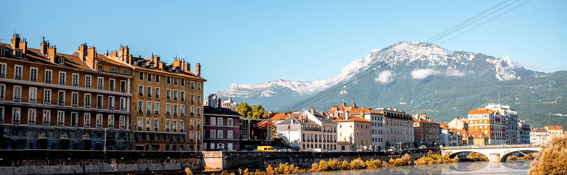 Comfort Suites Universités Grenoble Est - Edit_Grenoble.jpg