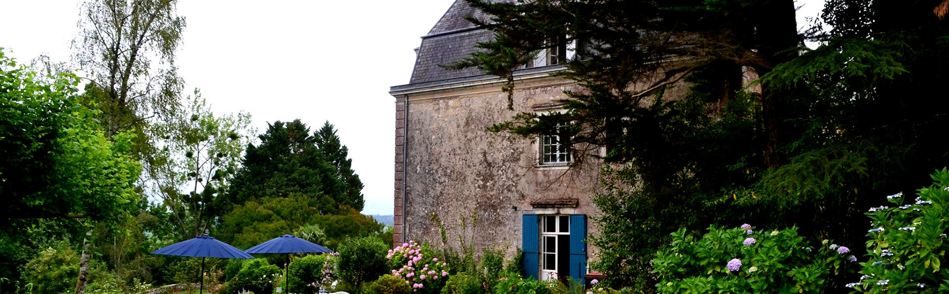 Château d'Estrac - Edit_Front.jpg