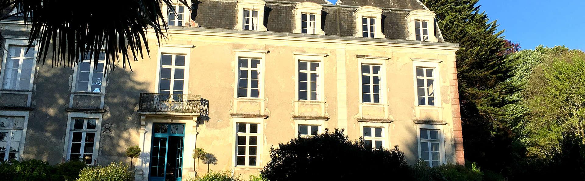 Château d'Estrac - Edit_Front2.jpg