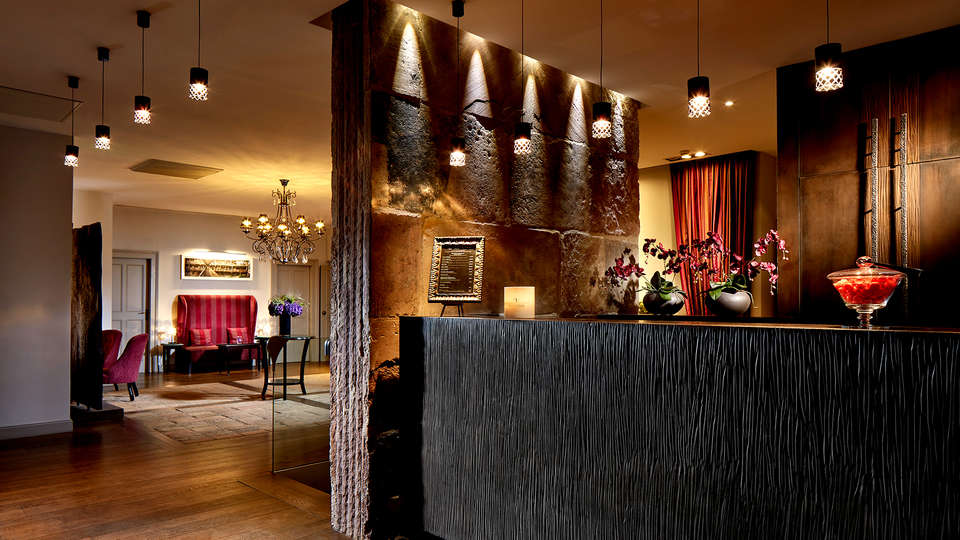 Hôtel Cour du Corbeau Strasbourg – Mgallery - Edit_Reception.jpg