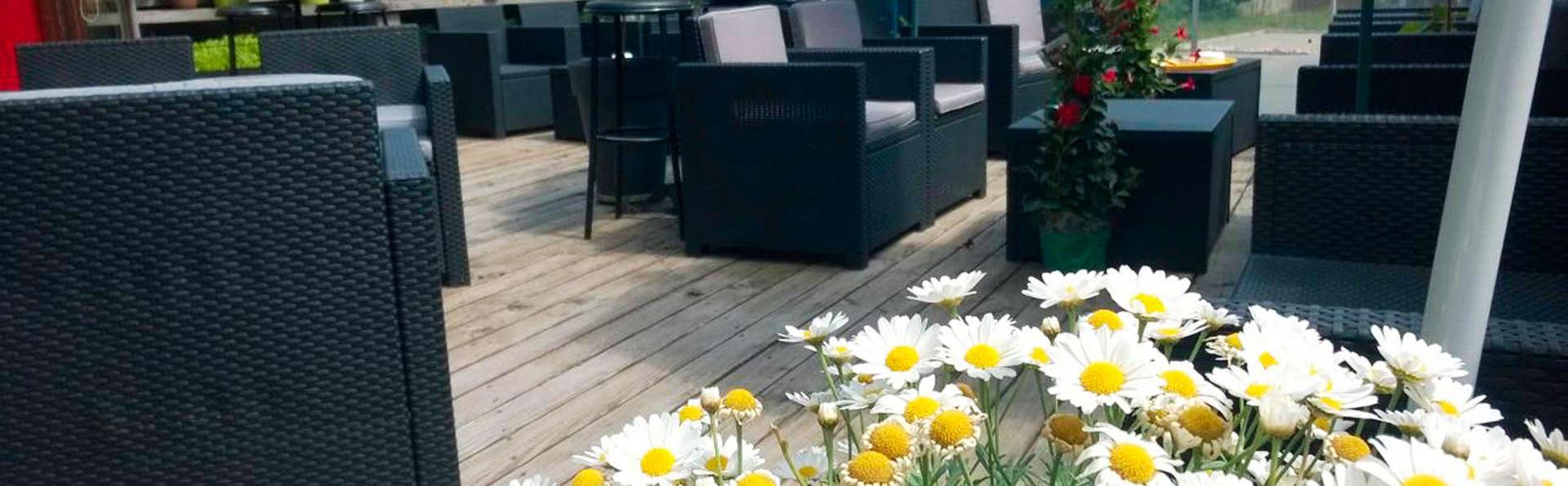 Cour du Tonnelier - EDIT_terrace.jpg