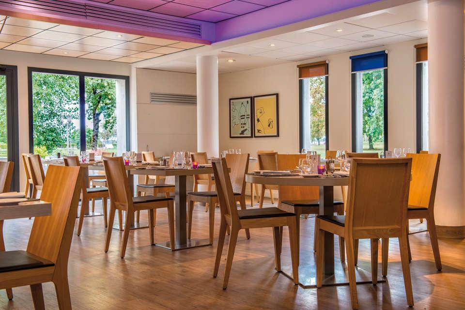 Hôtel Vacances Bleues - La Villa du Lac et Spa - VB019296_web.jpg