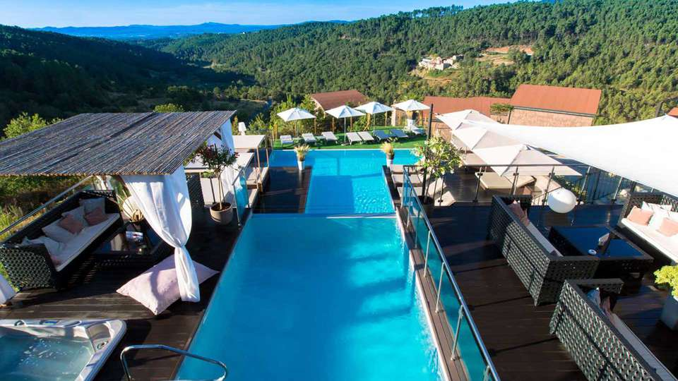 Domaine de Chalvêches - Edit_Pool6.jpg