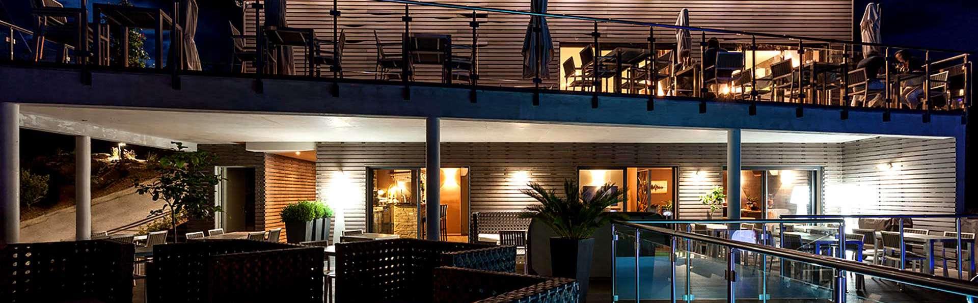 Domaine de Chalvêches - Edit_Terrace.jpg