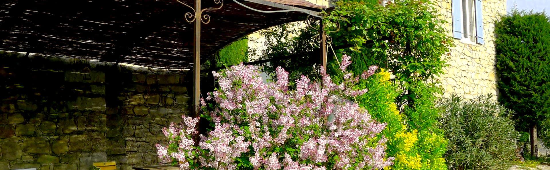 Chambre d'Hôtes - Domaine de la Manse - Edit_Front.jpg