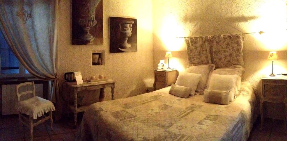 Chambre d 39 h tes domaine de la manse villeneuve de berg for Berg piscine toscana
