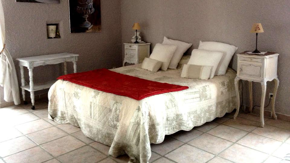 Chambre d'Hôtes - Domaine de la Manse - Edit_Room6.jpg